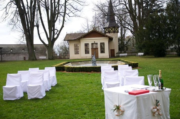 Místa pro svatbu - Zámek Kunštát - Květná zahrada
