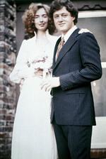 Bill a Hillary Clintonovi (1975)