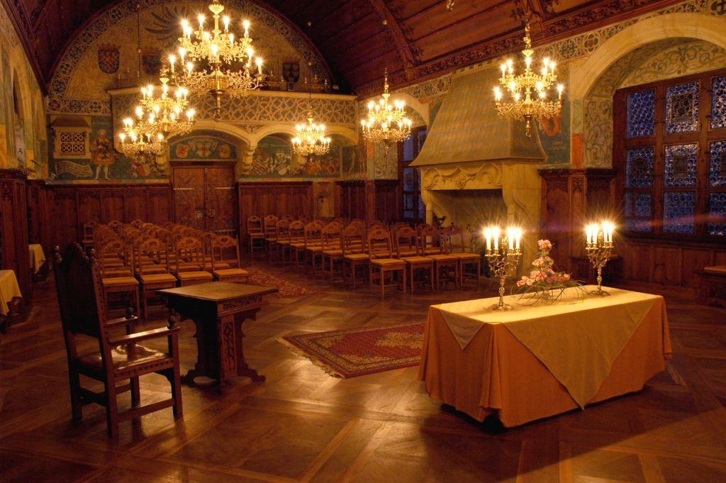 Místa pro svatbu 2 - Hrad Bouzov