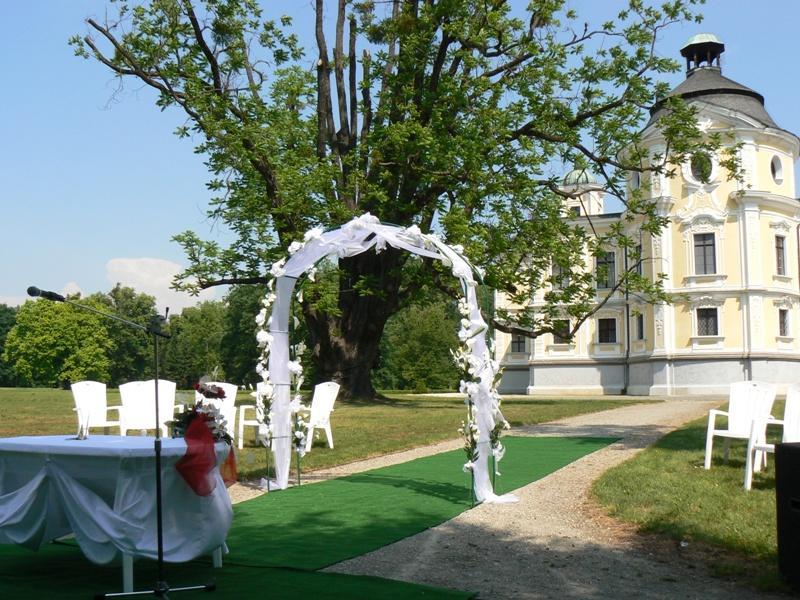 Místa pro svatbu 2 - Zámek Kravaře