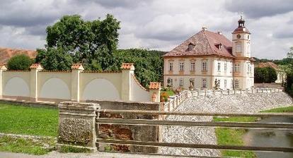 Zámek Štěnovice