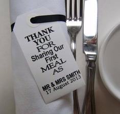 Když jim poděkujete.. Děkujeme, že s námi sdílíte naše první jídlo jako pán a paní...