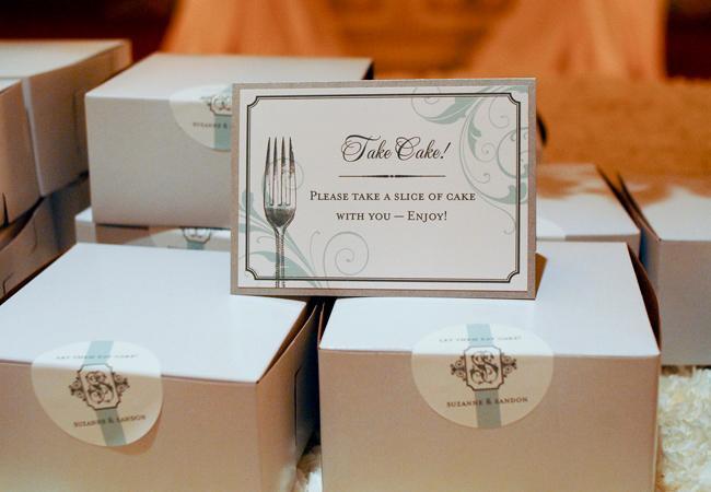 Ať si ten svatební dort taky užijou :)