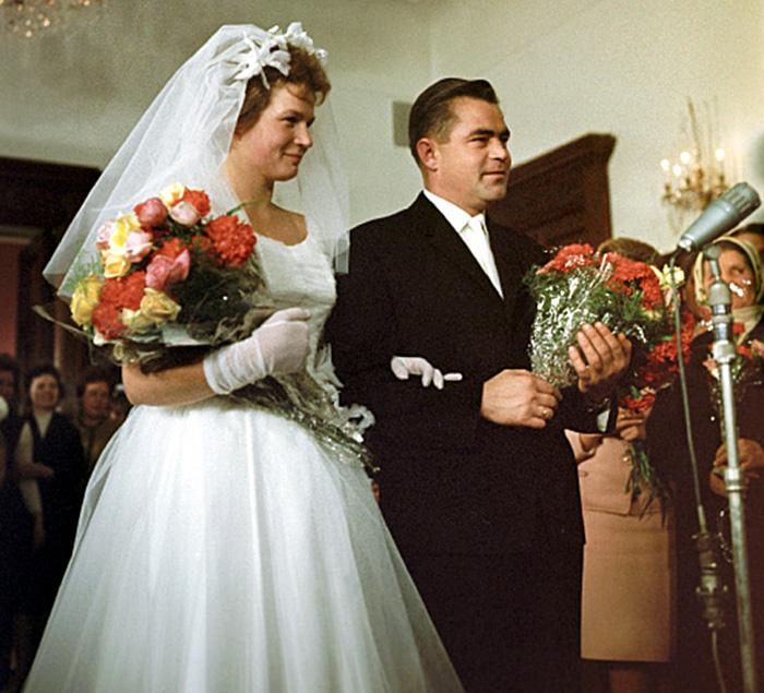 Svatby celebrit - Valentina Těreškovová a Adrian Nikolajev (1963)