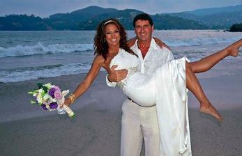 Eva LaRue (Kriminálka Miami) a Joe Cappuccio (2010)
