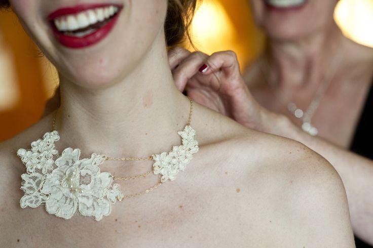 Maminčiny svatební šaty :) - A pokud nebyly šaty k použití, tak postačí alespoň krajka :)