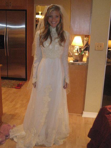 Maminčiny svatební šaty :) - Obrázek č. 29
