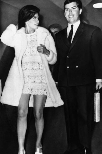 Svatby celebrit - Raquel Welch a Patrick Curtis (1967)