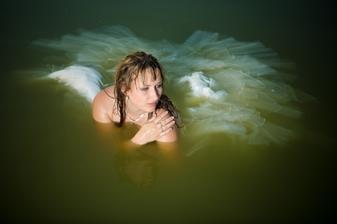 I takový může být výsledek focení šatů ve vodě :D