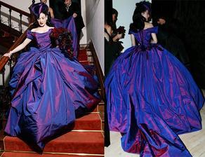 Dita von Teese- šaty