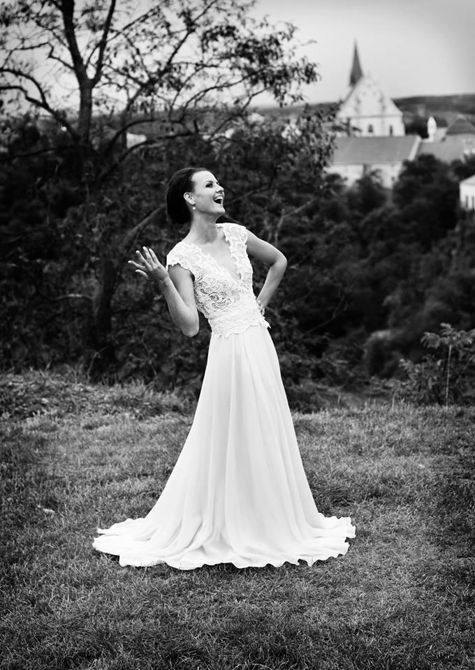 Svatební šaty - Marie Mukařovská - Obrázek č. 26