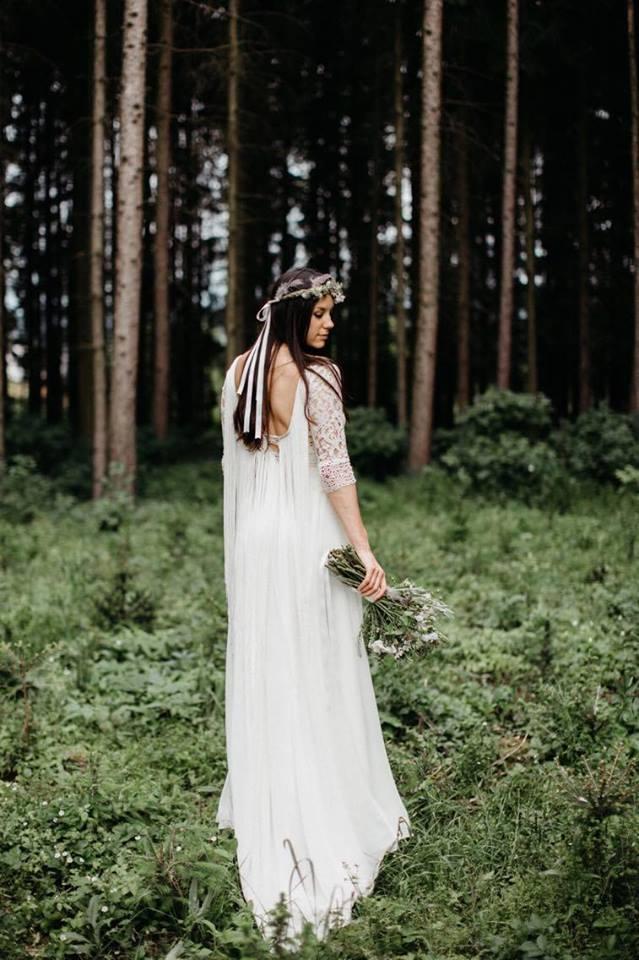 Svatební šaty - Marie Mukařovská - Obrázek č. 6