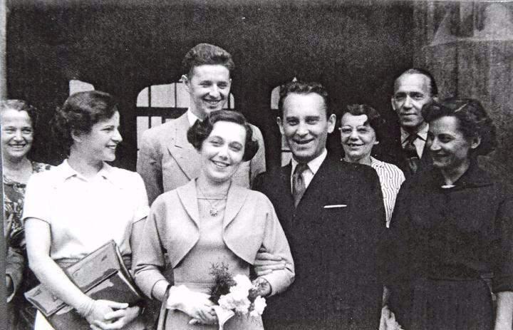 Svatby celebrit - Jiřina Jirásková a Jiří Pleskot (1953)