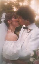 Charles Shaughnessy (Chůva k pohledání) a Susan Fallender (1983)