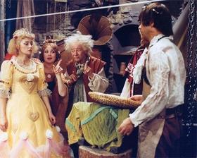 Až já budu královna - svatební šaty z marcipánu :-)