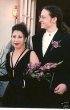 Chester Bennington a Samantha Olit (1996)