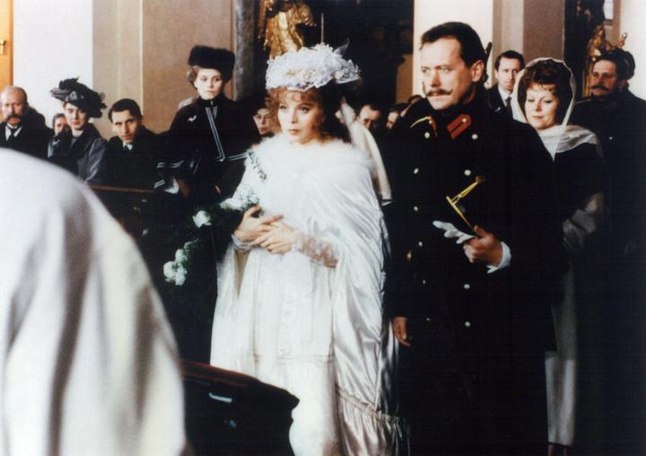Svatby z filmů a seriálů - Náhrdelník