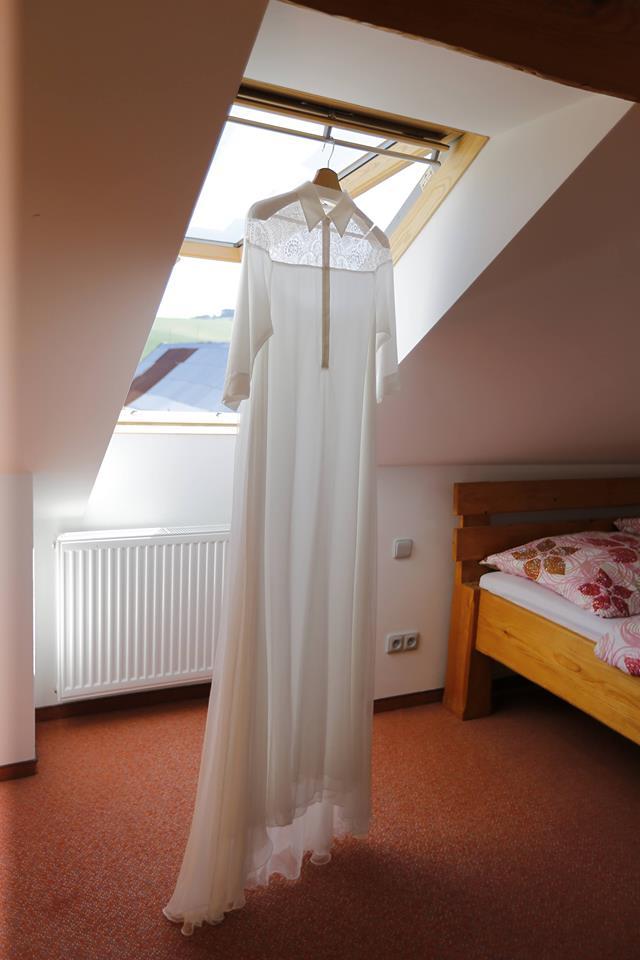 Svatební šaty - Marie Mukařovská - Obrázek č. 132