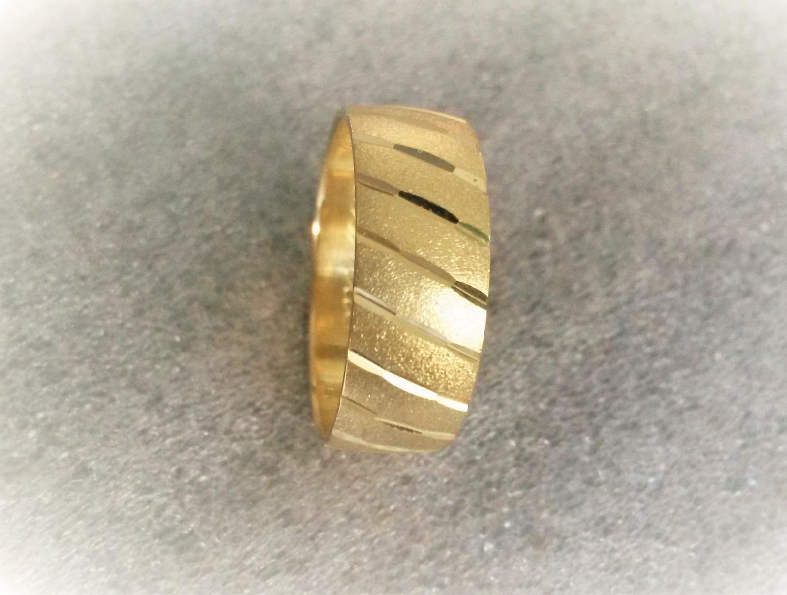 Široké snubní prsteny jsou v kurzu :-) - Obrázek č. 2