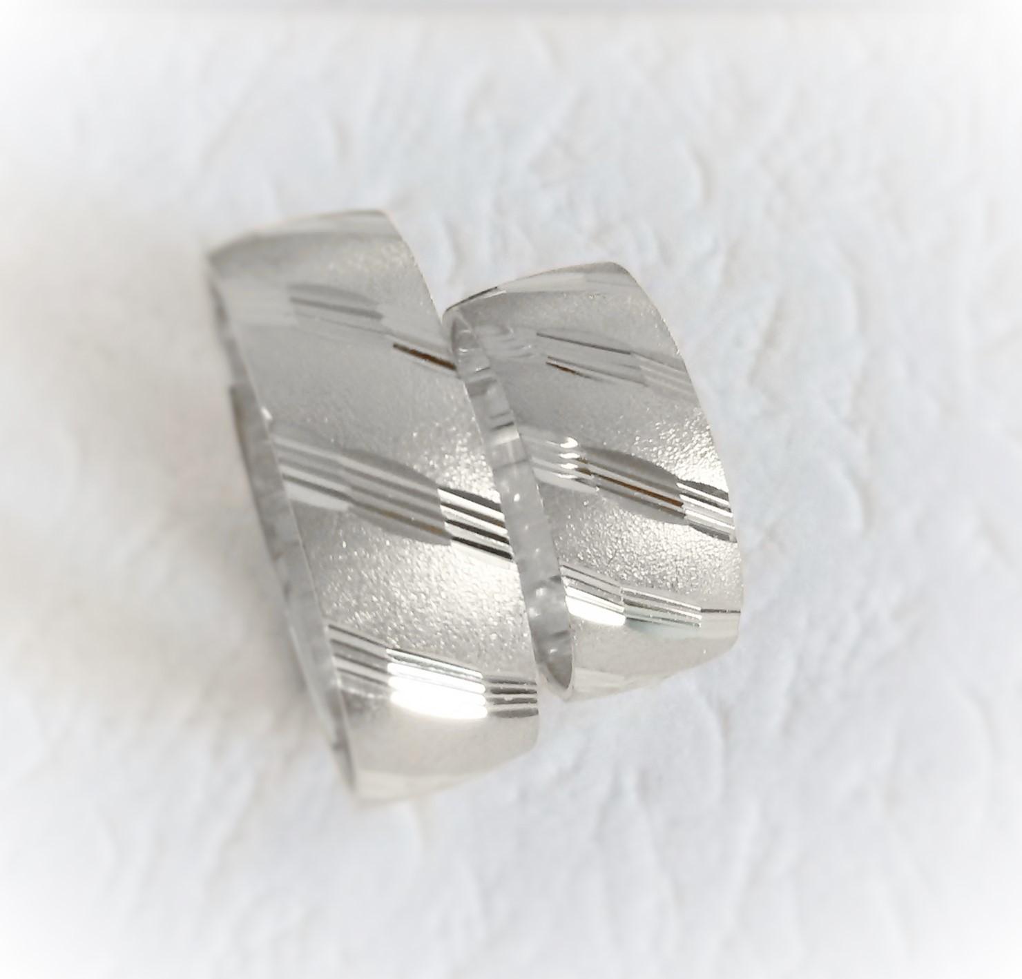 Široké snubní prsteny jsou v kurzu :-) - Obrázek č. 3