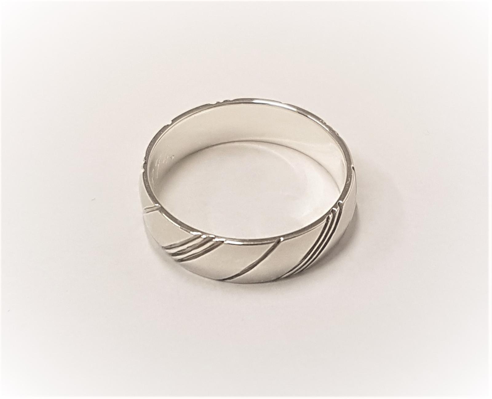 Dilema se snubními prsteny? - Obrázek č. 1