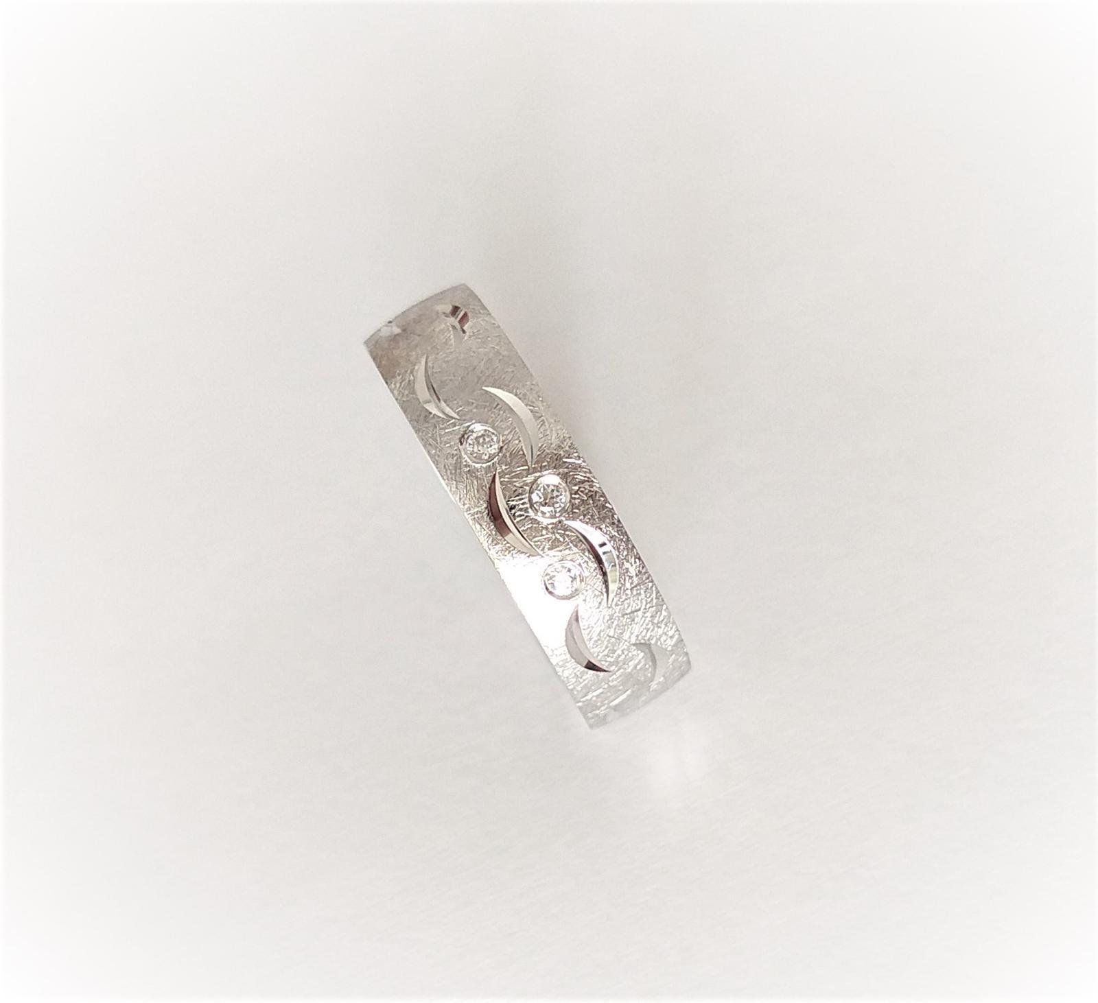 Snubní prsten 492 s úpravou dle snoubenců :-) - Obrázek č. 1