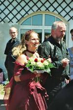 Tatínek vede nevěstu