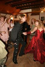 Tančilo se na Rhapsody a Korpiklaani (dobové nástoje Itálie-Finsko a rockové kytárky)