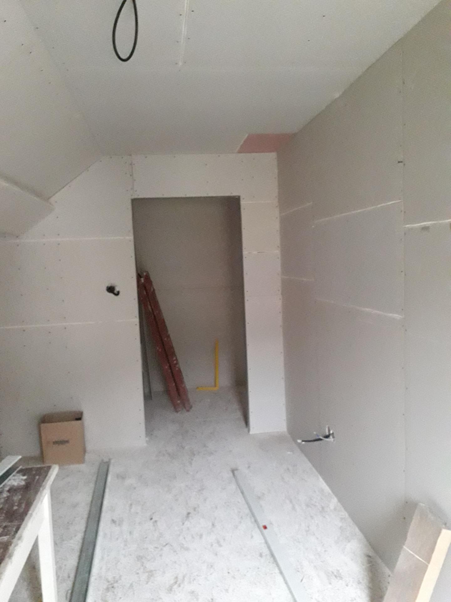 Dom/rekonštrukcia, sen/náročné obdobie :-) - izba syn, foto z opačnej strany 10/2019