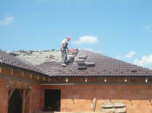 Strechár na streche