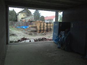 obyvacka a terasa:) a bordel:)