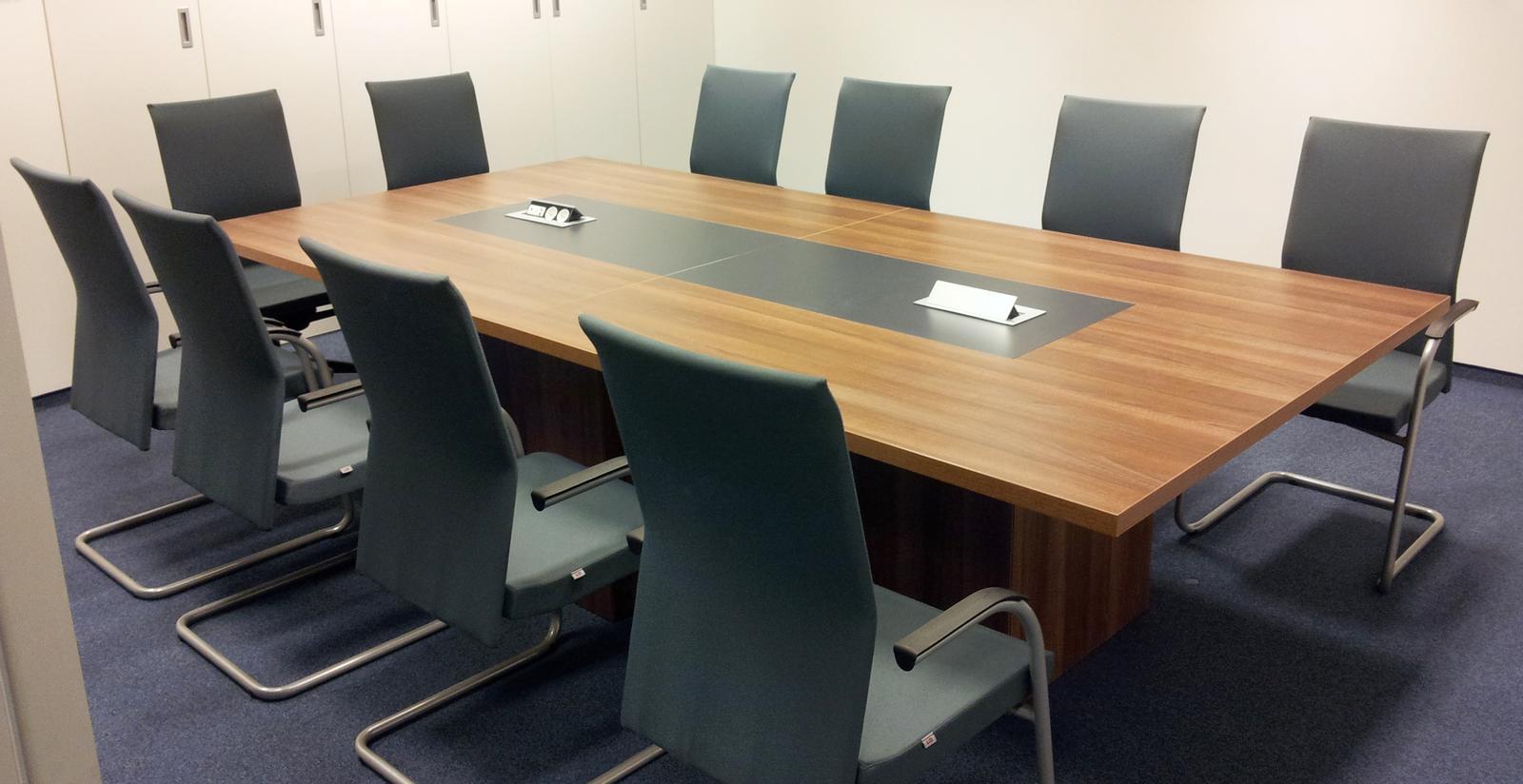 Dizajn a výroba nábytku na mieru Cubica - zasadací stol - dizajn a výroba cubica