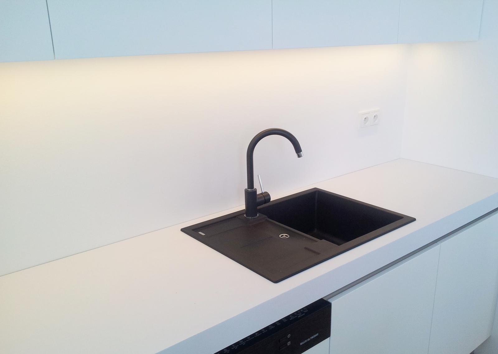Dizajn a výroba nábytku na mieru Cubica - Kuchynská linka - výroba cubica