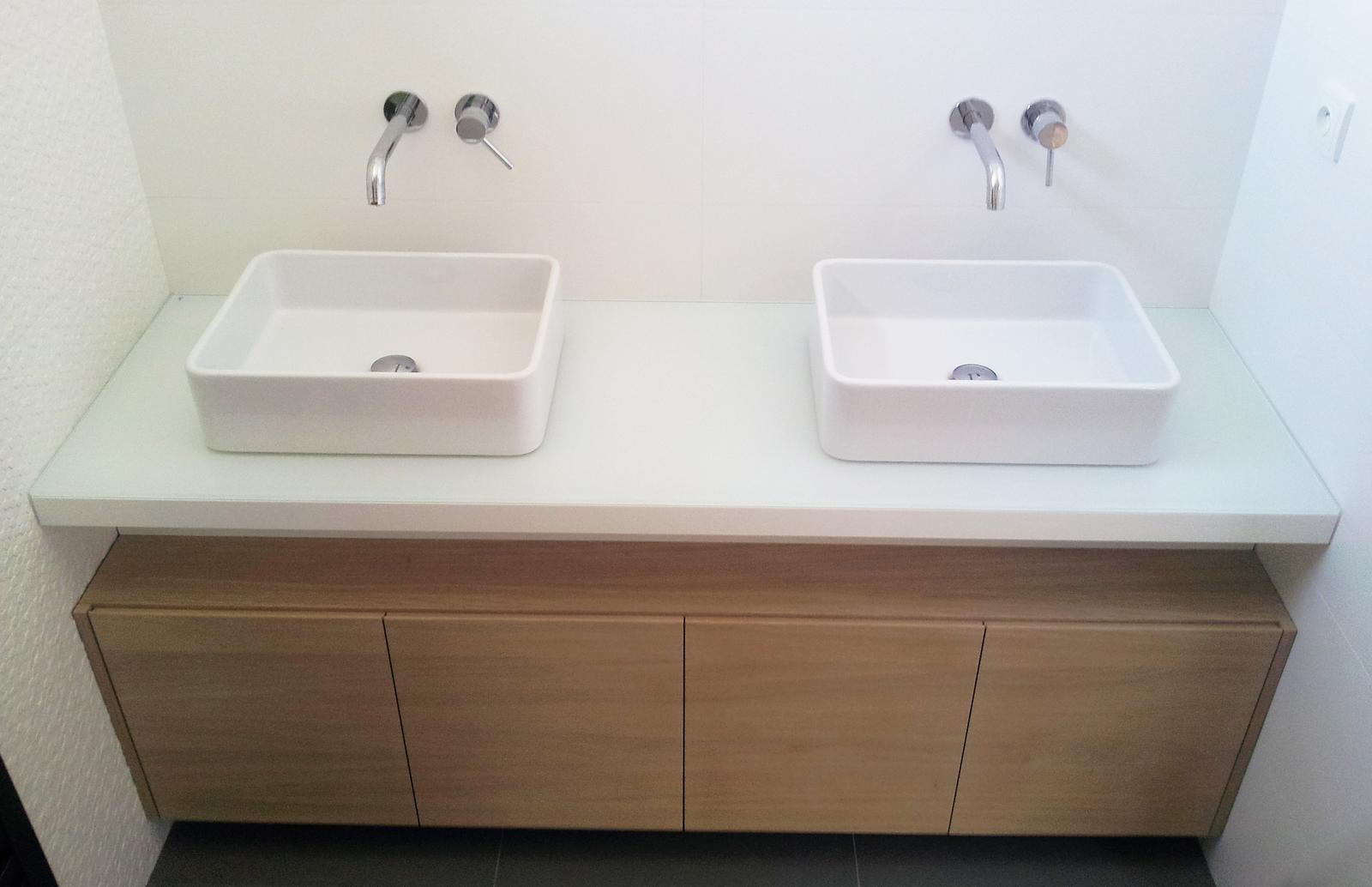 Dizajn a výroba nábytku na mieru Cubica - Kúpeľňová skrinka - výroba cubica