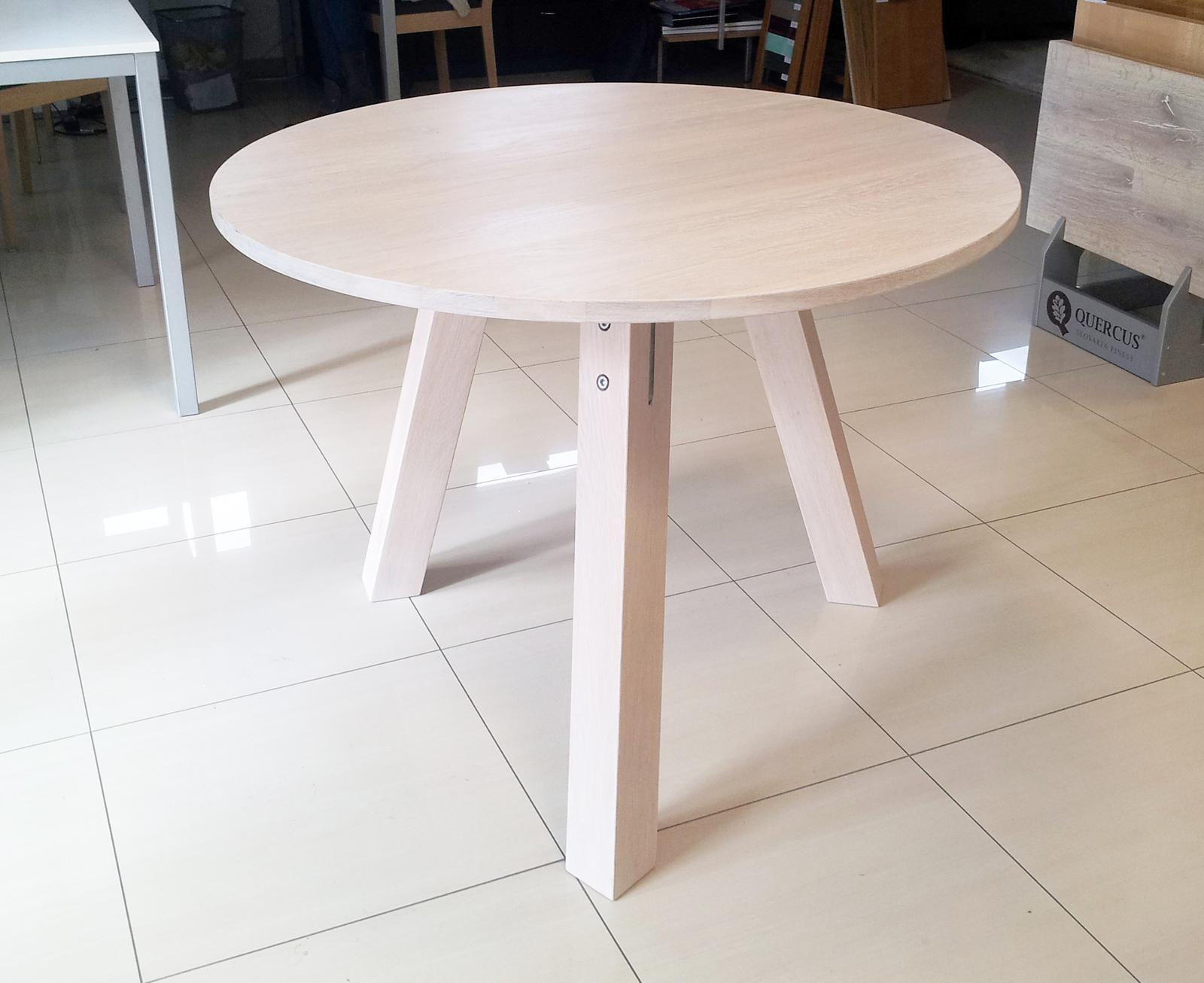 Dizajn a výroba nábytku na mieru Cubica - Okrúhly jedálenský stôl - masívny bielený dub - dizajn a výroba cubica