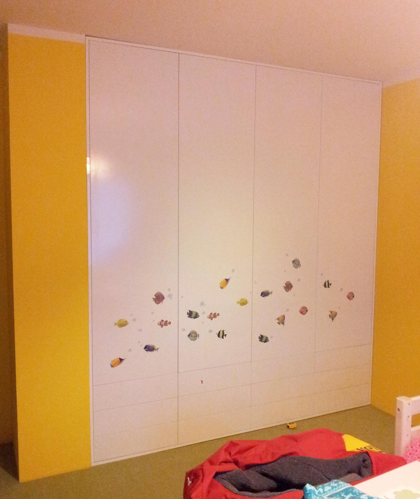 Dizajn a výroba nábytku na mieru Cubica - Vstavaný šatník s krídlovými dverami - dizajn a výroba cubica