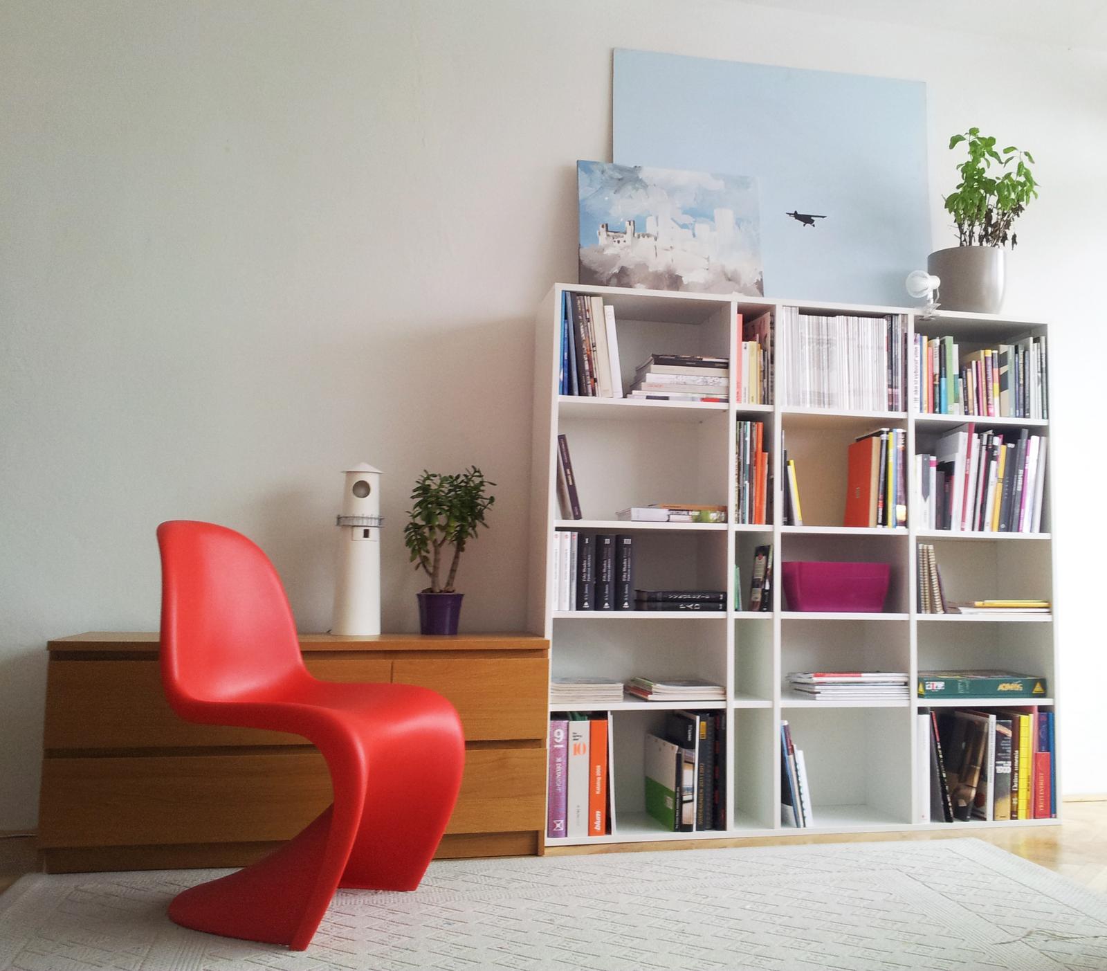 Dizajn a výroba nábytku na mieru Cubica - Knižnica - biela matná - dizajn a výroba cubica