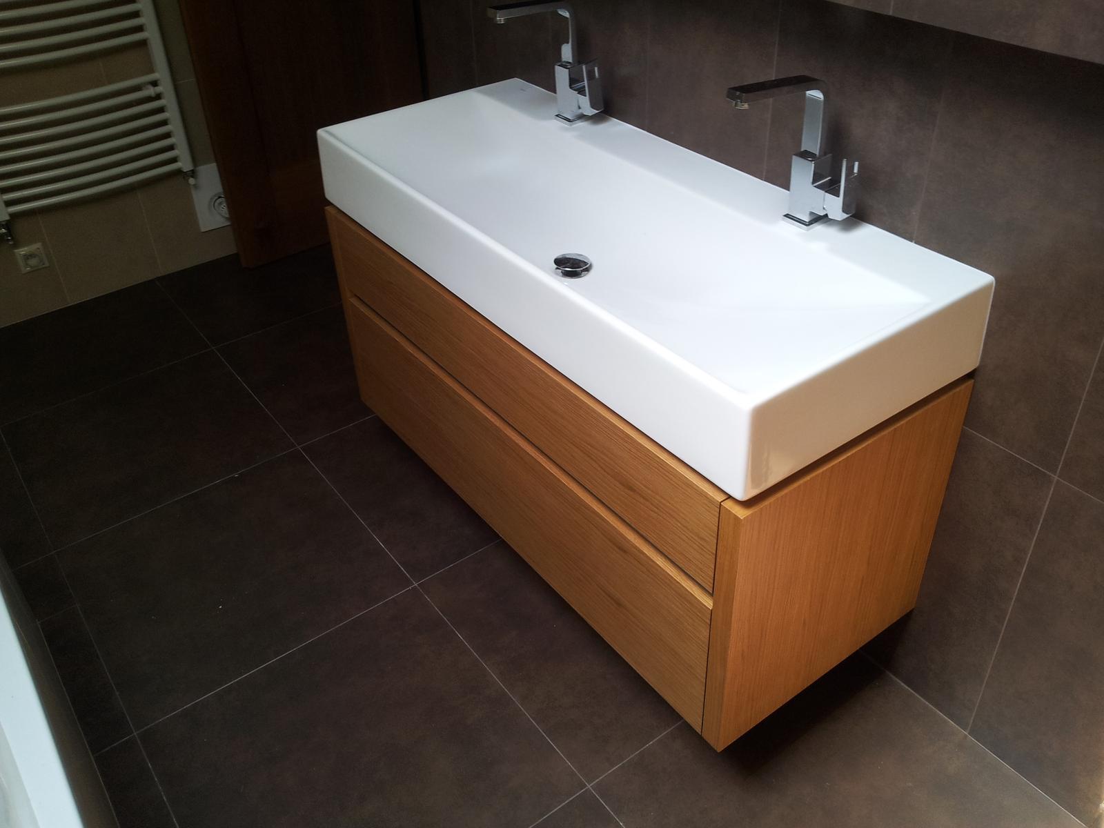 Dizajn a výroba nábytku na mieru Cubica - Dubová kúpeľňová skrinka so zásuvkami - dizajn a výroba cubica