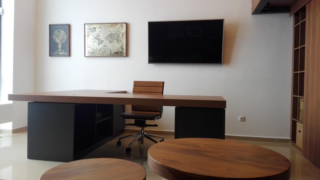 Dizajn a výroba nábytku na mieru Cubica - Pracovný stôl orech+antracit