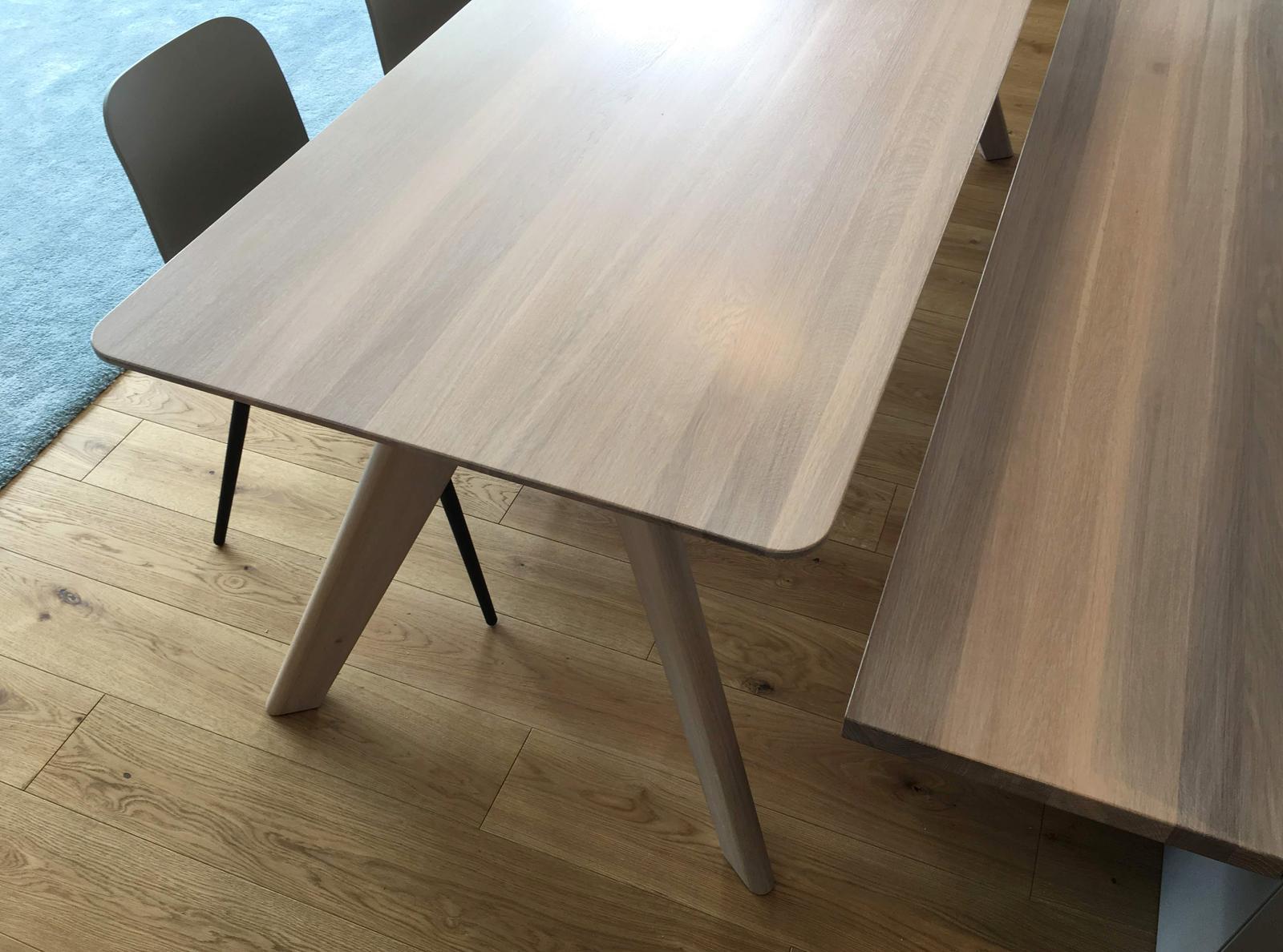 Dizajn a výroba nábytku na mieru Cubica - Masívny dubový stôl ELYS O - 2200x900 mm s lavicou #dubovystol #dub #stol design&vyroba cubica
