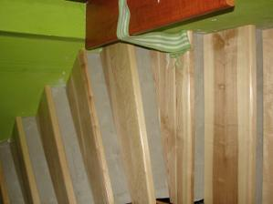 obložka schodiska je komplikovanejšia, než robenie samonostných schodov, každý schod je originál...