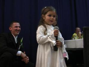 moja mala sestrička kričala neberte nám princeznú..