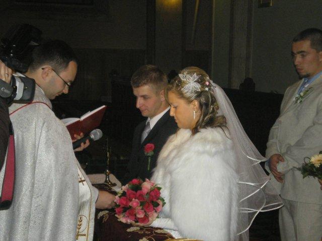 Lenka Brtková{{_AND_}}Roman Kuchárik - Tu si sľubujú lásku pred kňazom a všetkými