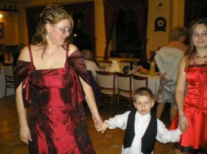 Švagriná Zuzka s jej synom Samkom a Simonkou
