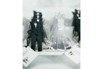 Bride & Groom Candy Favor Bags.....no nie sú úžasné??tie musím mať!!!