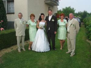 s našimi drahými rodičmi, keď si ma prišiel ženích vyzdvihnúť :)
