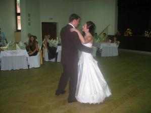 náš prvý tanec a nebol hociaký...normálna choreografia, ala Let's dance