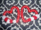 Cervene srdcia s bielocervenymi ruzickami,