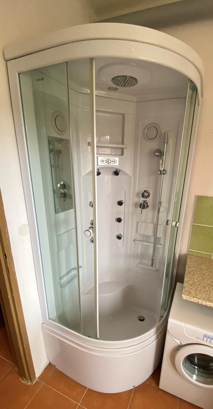 Hydromasážny sprchový kút - Obrázok č. 1