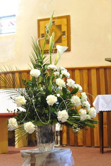 26.04.08 Sylvia a Peter - výzdoba v kostole